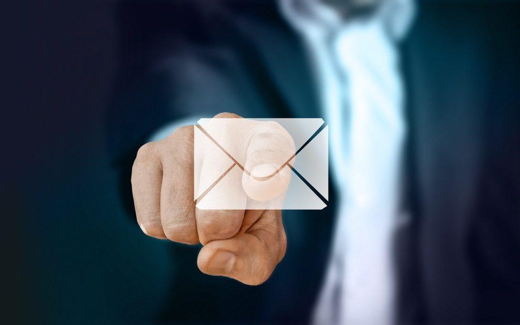 なぜメールにCCが多くなるのか