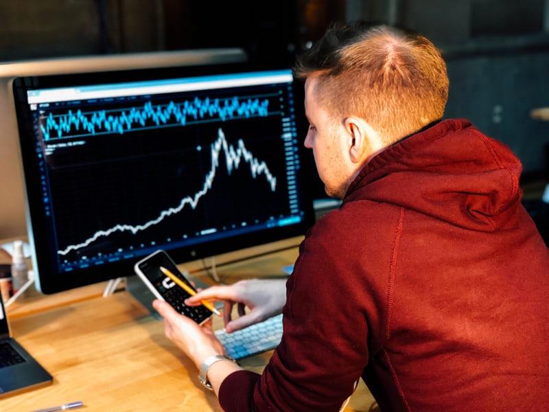 ビジネスパーソンには短期投資は向かない