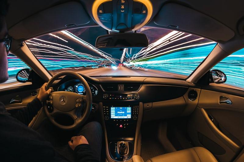 車は将来、空を飛べるようになるだろう。